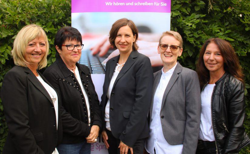 Gruppenfoto Schriftdolmetscher Saarland mit 5 Schriftdolmetscherinnen